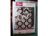 Black and White damask pattern double bed duvet set