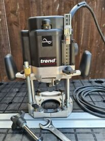 Trend T11 Router & New router bits. Used less than 10 hours