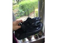 Size 11 1.5 mm split toe reef boots from Rip Curl