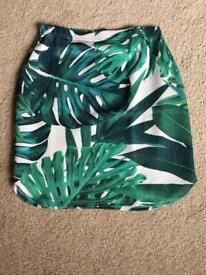 Brand new Bohoo leaf print skirt (size 6-14)