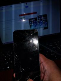 Fully working iPhone 5 badly cosmetic damage