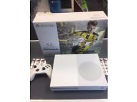 xbox one S white 500gb with controller and cables