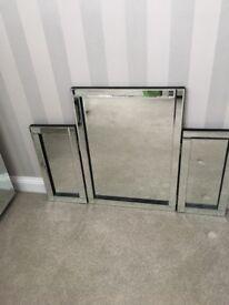 Dressing table top 3 fold mirror velvet backing