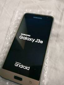 *Samsung J6 3 UNLOCKED boxed charger fully working