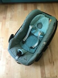 Maxi Cosy Pebble Car Seat fits Bugaboo and some others (Location Uxbridge, Heathrow)