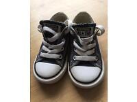 Size 6 infant Converse