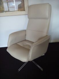 CHROME AND LEATHER RELAXATEEZE SWIVEL CHAIR
