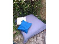 2 bean bags + 2 cushions - garden \ water resistant