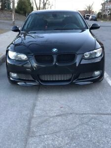 Belle BMW 335i coupe très Rare bas milage 93,578 km