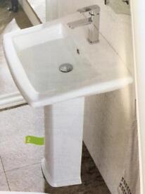 Cheltenham basin and pedestal sink