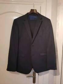 Men's Navy 3 Piece Suit 42R