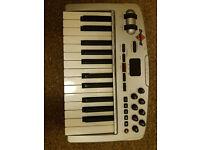 M-Audio Oxygen 8 v2 controller keyboard