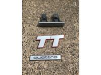 Audi TT badge set