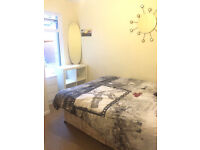 Double room available to let in a nice house