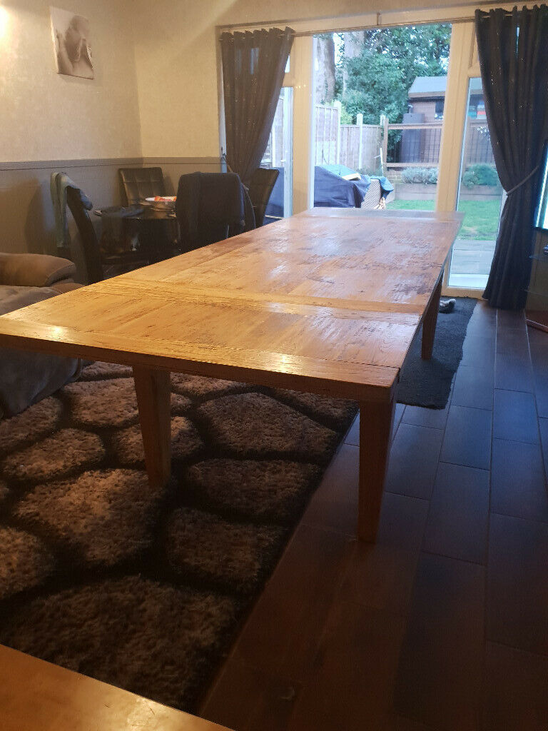 Solid Oak Dining Table Extends Up To 12 People
