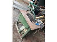 Table rip saw