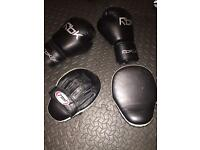 Reebok 14oz Boxing Gloves and Focus Pads good used condition