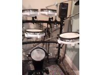 Roland TD-8 V Drums Electronic drum kit + Roland PM-3 Amp+speakers