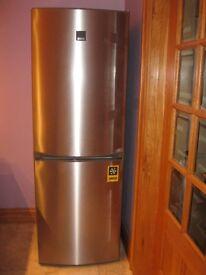 Zanussi Fridge Freezer for sale, like new!
