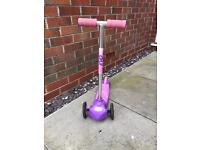 Girls 3 wheel scootrr