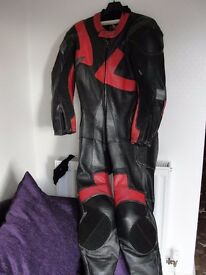 1 piece motorcycle leathers frank thomas.