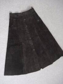 VINTAGE SUEDE BUTTON THROUGH SKIRT (FITS SIZE 8 (UK)