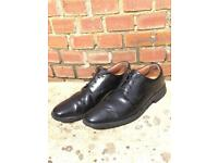 Men's Clark's Shoes. Size 9 1/2. Good condition