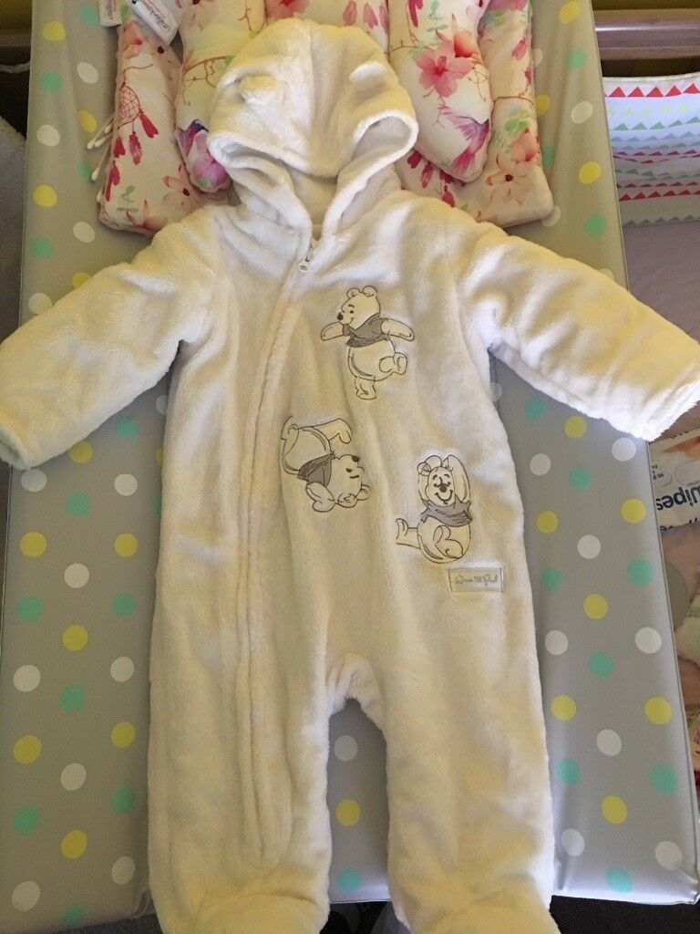 8f44a1b4013f Baby snow suit 3-6months