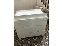 Bloom 'Alma' Dresser with universal changing table