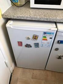 Fridge and electric cooker