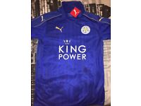 Signed Leicester City shirt from season 2016/17 (with certificate of authenticity