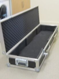 Swan flight case for 88 key piano i.e. will fit Roland RD NX 300 piano.