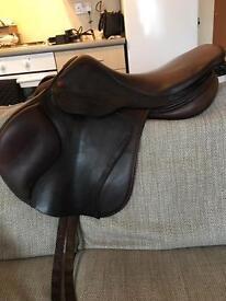17.5 Albion Kontact lite jumping saddle