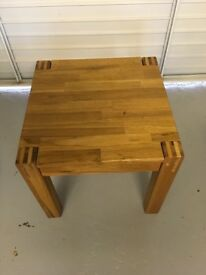 Solid oak sidetable