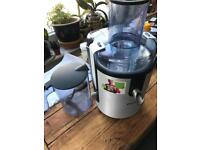 Philips powerful whole fruit and vegetable juicer