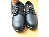 Men boots black colour