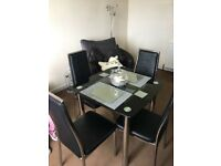 Beautiful dining Table and 4 Chairs, immaculate condition