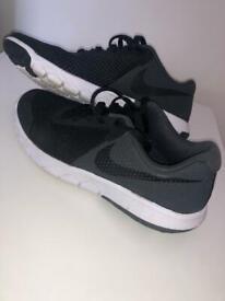 Woman's Nike Trainers