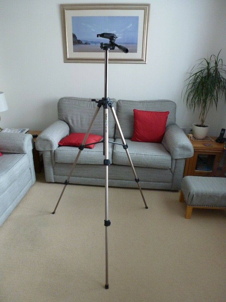 Velbon CX 540 camera tripod.
