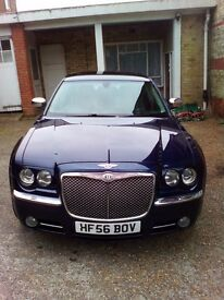 CHRYSLER 300C BENTLEY BADGE CONVERSION STUNNING CAR