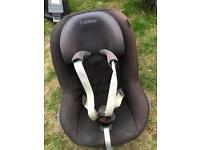 Maxi cosi Family Fix and Pearl car seat