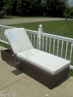 Pottery Barn Corsica Wicker Woven Chaise Lounge Chair Frame w/ cushion ()