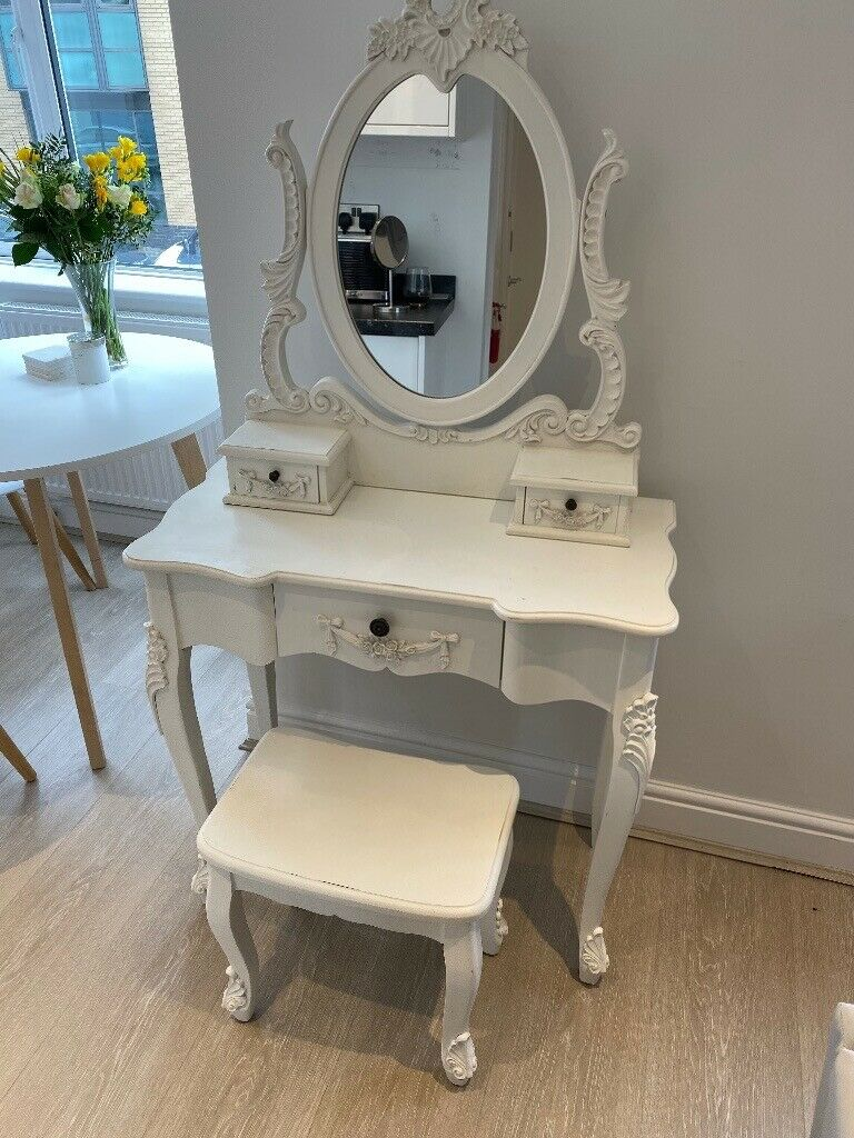 Mirrored Vanity Table And Stool: White Dressing Table With Mirror And Matching Stool