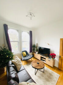 A Large 3 bedroom 2nd floor flat located in Stoke Newington