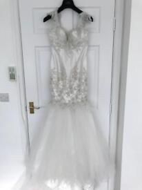 New ivory wedding dress size 8-10