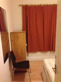 Lovely Double room for professional or University student