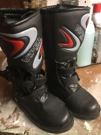 X2 pairs of kids motorcross/quad boots