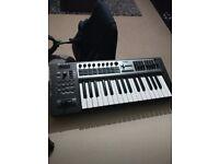 Roland edirol PCR 300 midi keyboard for sale excellent condition