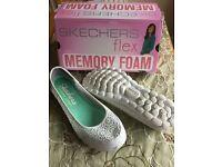 Skechers ladies shoes size 7