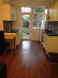 One Bedroom - Ground Floor Flat **** TO LET (Endsleigh Garden , IG1 )*
